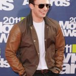 mtv-awards-chris-evans-jacket-2