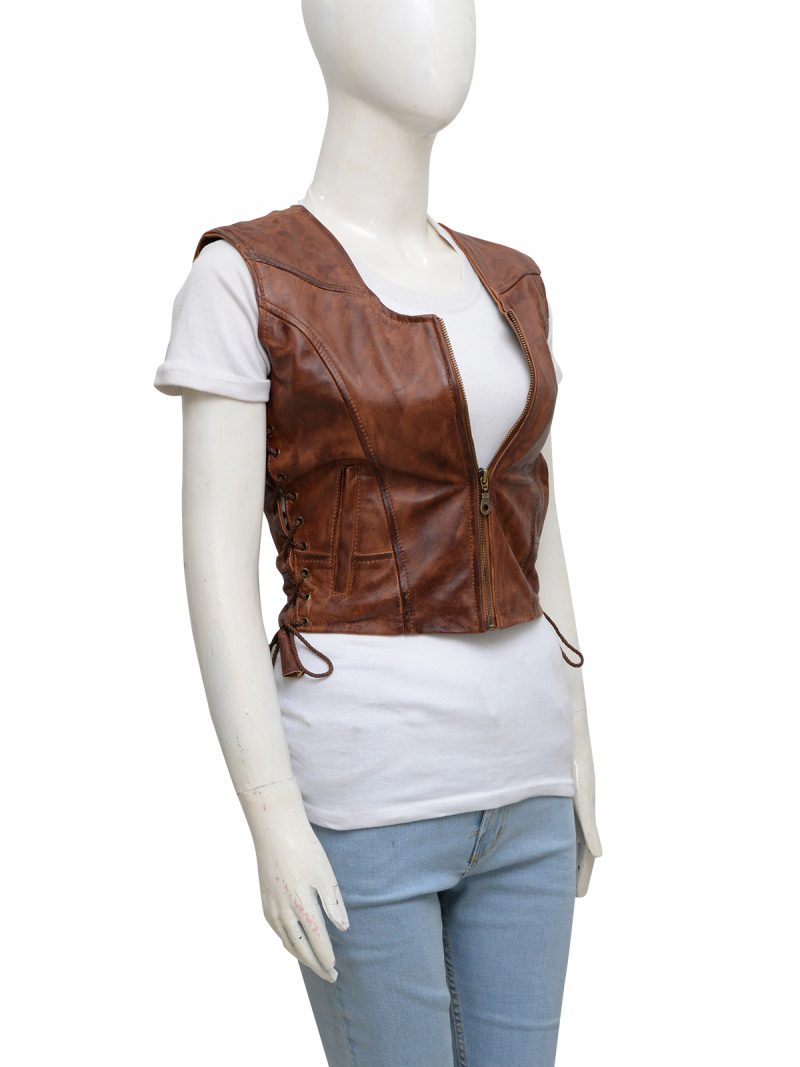 walking-dead-danai-gurira-michonne-leather-vest-2