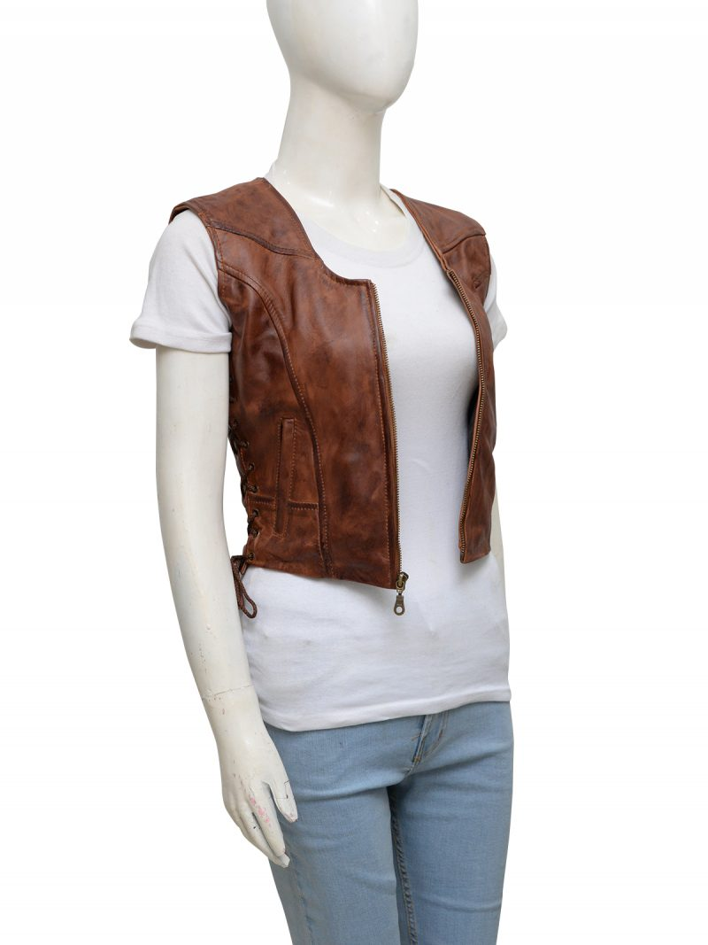 walking-dead-danai-gurira-michonne-leather-vest-6