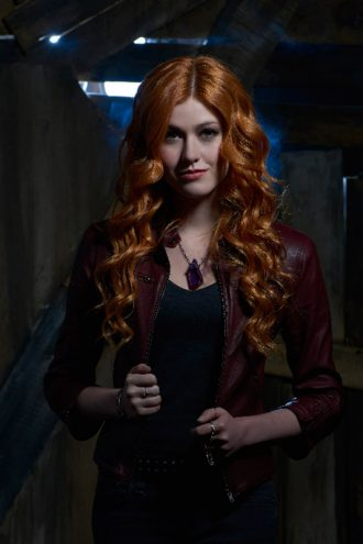 shadowhunters-the-mortal-instruments-clary-fray-maroon-leather-jacket